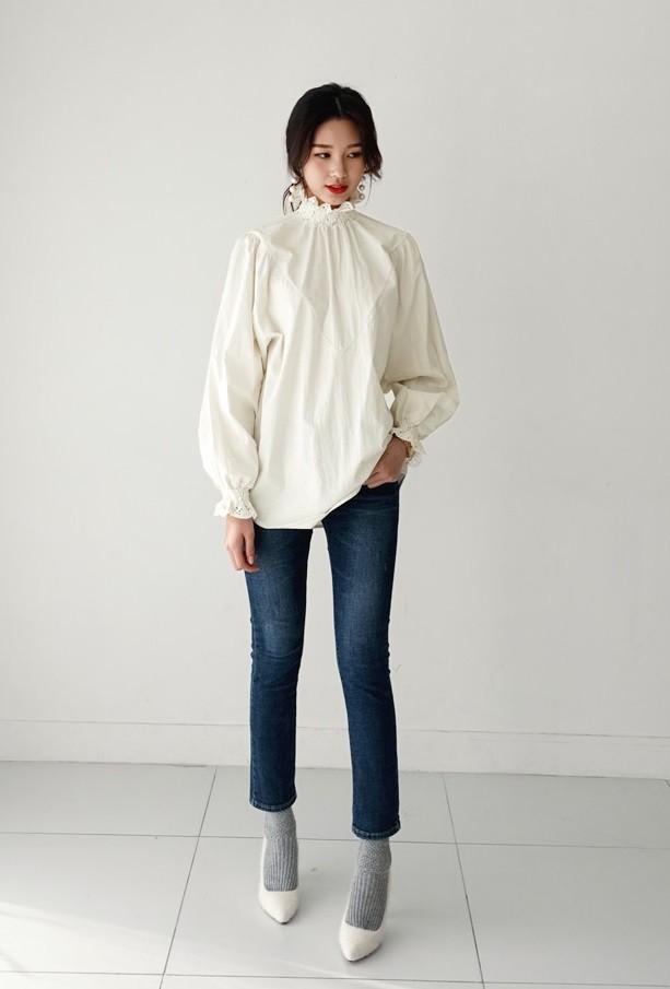 3 cách điệu của áo sơmi và áo blouse đang rất được lòng các nàng điệu đà vào thời điểm này - Ảnh 6.