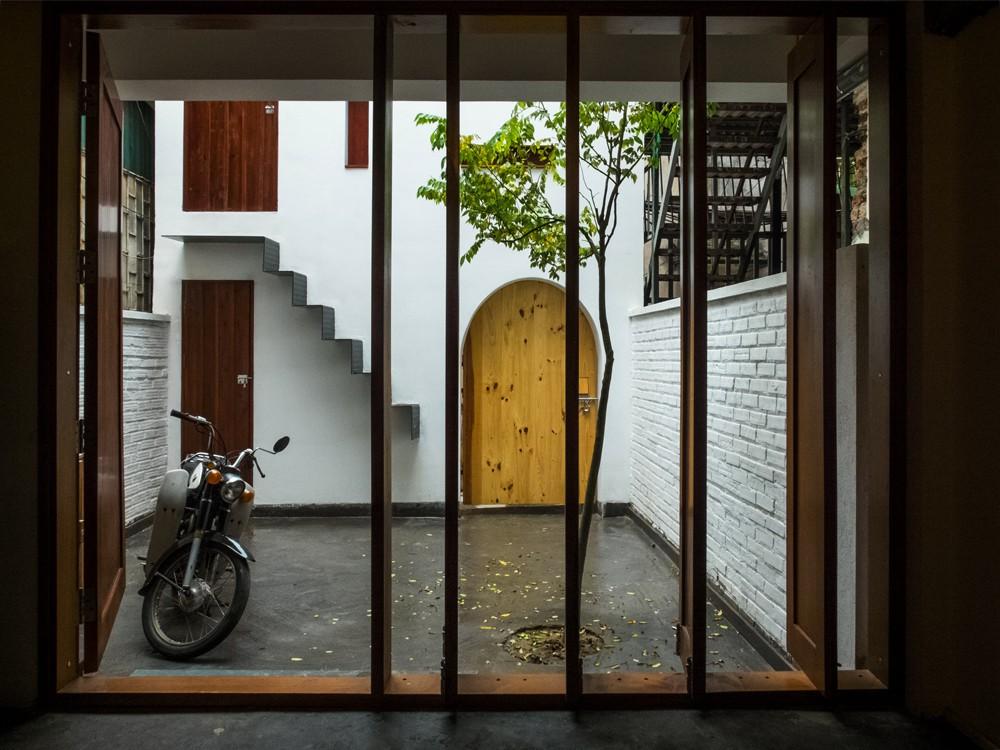 Ngôi nhà chỉ mất 300 triệu đồng xây dựng nhưng cực ấn tượng của người nghệ sĩ guitar ở Tây Hồ, Hà Nội - Ảnh 4.