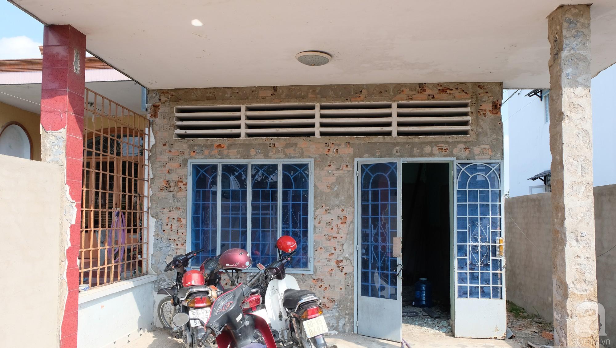 Nhà cấp 4 dột nát, cũ kỹ bỗng chốc lột xác cá tính với gam màu đen trắng ở Biên Hòa - Ảnh 6.