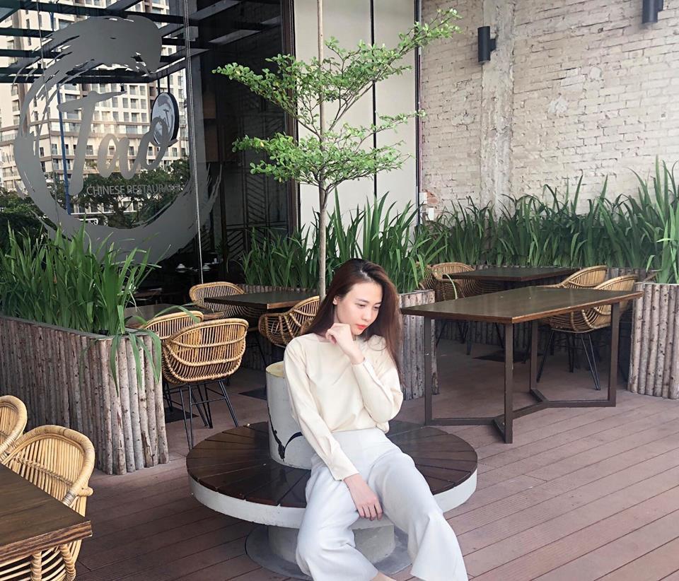 Nhìn xa tưởng bình thường, nhưng nhìn gần mới thấy được độ táo bạo của chiếc quần mà Angela Phương Trinh mặc  - Ảnh 10.