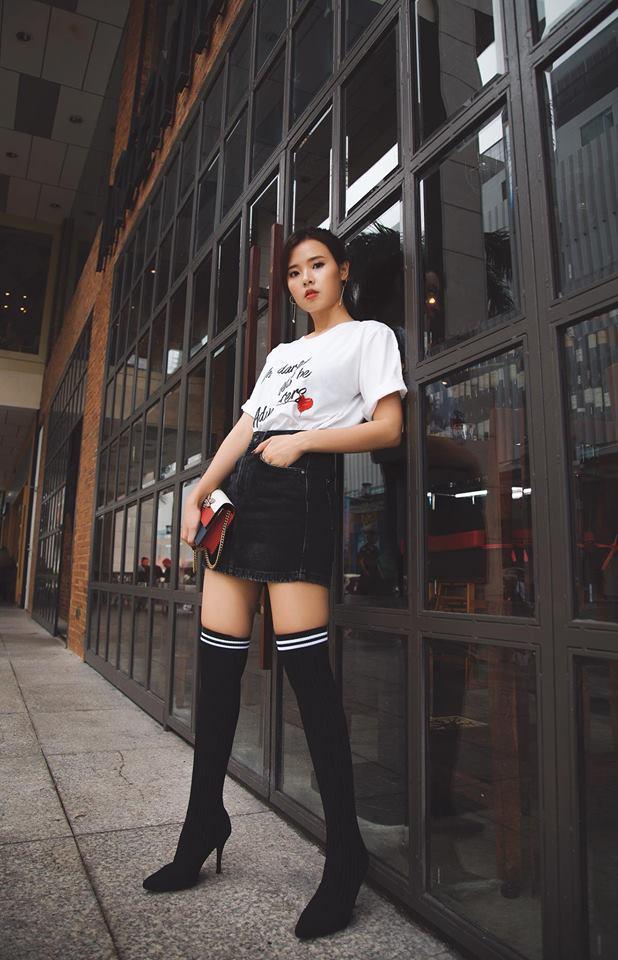 Nhìn xa tưởng bình thường, nhưng nhìn gần mới thấy được độ táo bạo của chiếc quần mà Angela Phương Trinh mặc  - Ảnh 11.