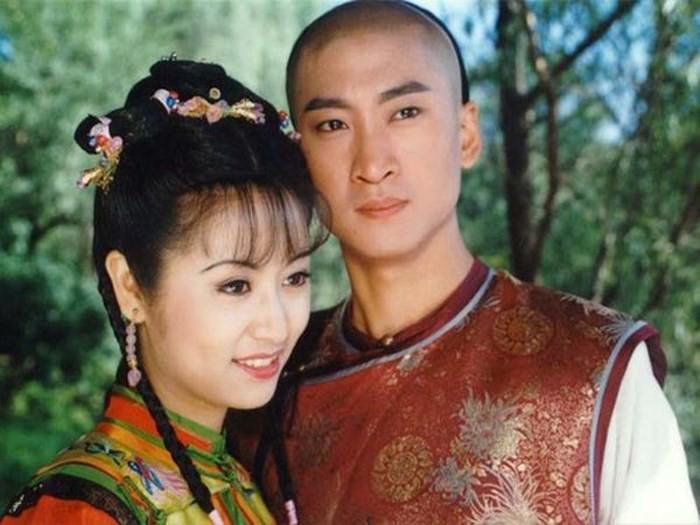 Ân oán 20 năm của Lâm Tâm Như - Châu Kiệt: Mối thâm thù đại hận của Nhĩ Khang và Hạ Tử Vy đẹp nhất màn ảnh Cbiz - Ảnh 2.
