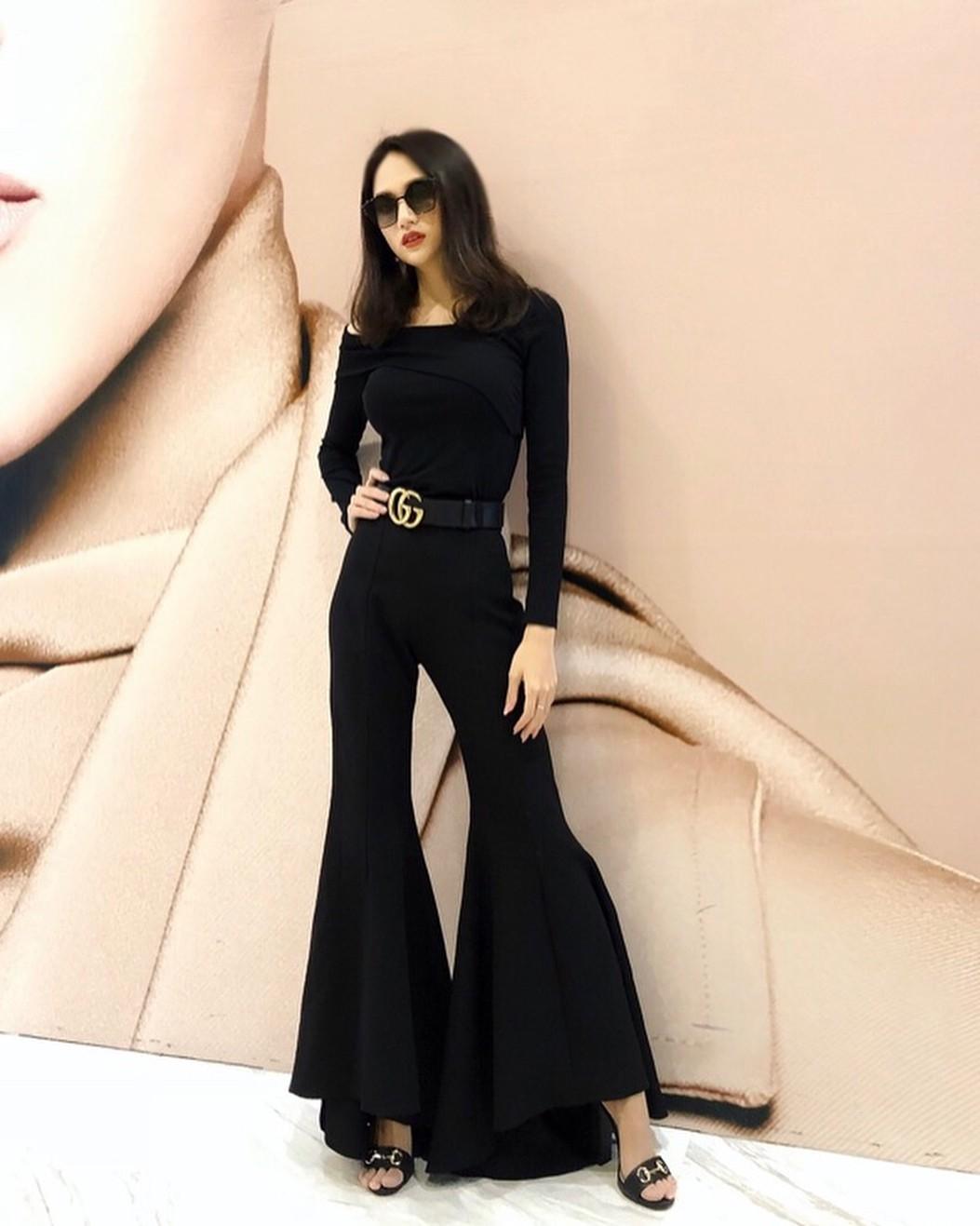Nhìn xa tưởng bình thường, nhưng nhìn gần mới thấy được độ táo bạo của chiếc quần mà Angela Phương Trinh mặc  - Ảnh 4.