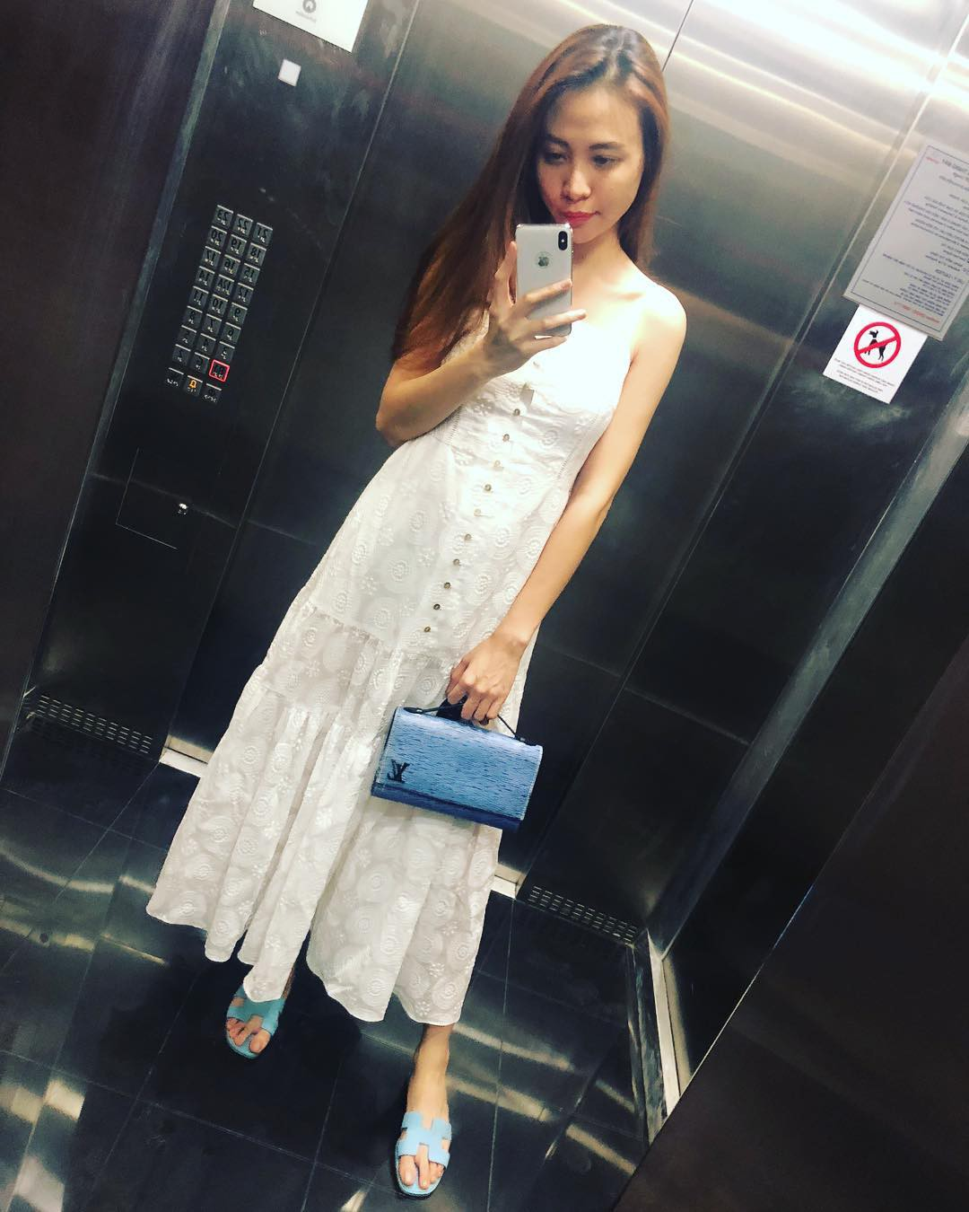 Nhìn xa tưởng bình thường, nhưng nhìn gần mới thấy được độ táo bạo của chiếc quần mà Angela Phương Trinh mặc  - Ảnh 9.