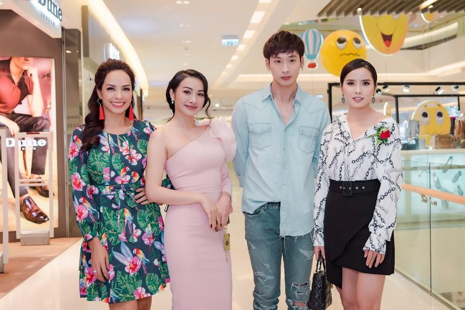 Lần đầu lộ diện con trai đẹp như Hàn Quốc của siêu mẫu Thúy Hạnh  - Ảnh 6.
