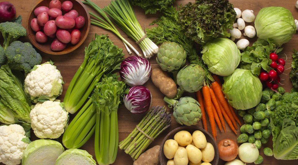Chuyên gia dinh dưỡng gợi ý các thực phẩm bố mẹ nên cho con ăn để không bao giờ bị ốm - Ảnh 1.