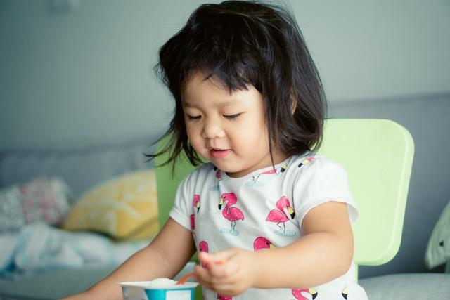 Chuyên gia dinh dưỡng gợi ý các thực phẩm bố mẹ nên cho con ăn để không bao giờ bị ốm - Ảnh 2.