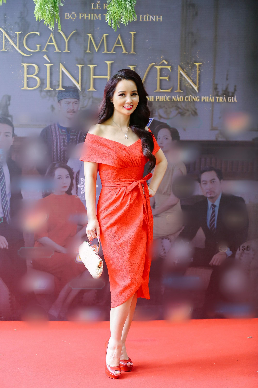 Thúy Hạnh bị chồng hành hung, Mai Thu Huyền chi tiền khủng mua quần áo  - Ảnh 2.
