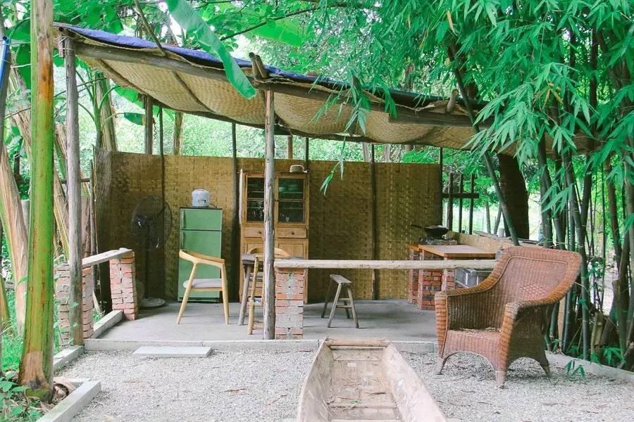 Với 33 triệu đồng, hai chàng trai trẻ đã tự tay xây ngôi nhà nhỏ đẹp lãng mạn giữa rừng tre trúc - Ảnh 6.