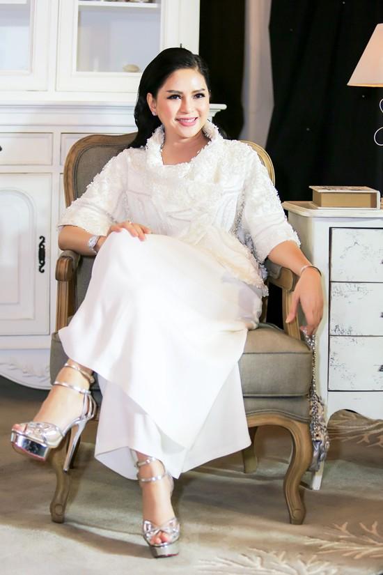 Cuộc sống nhung lụa nhất nhì châu Á của hai nàng tiếp viên hàng không bỏ nghề làm vợ đại gia - Ảnh 6.