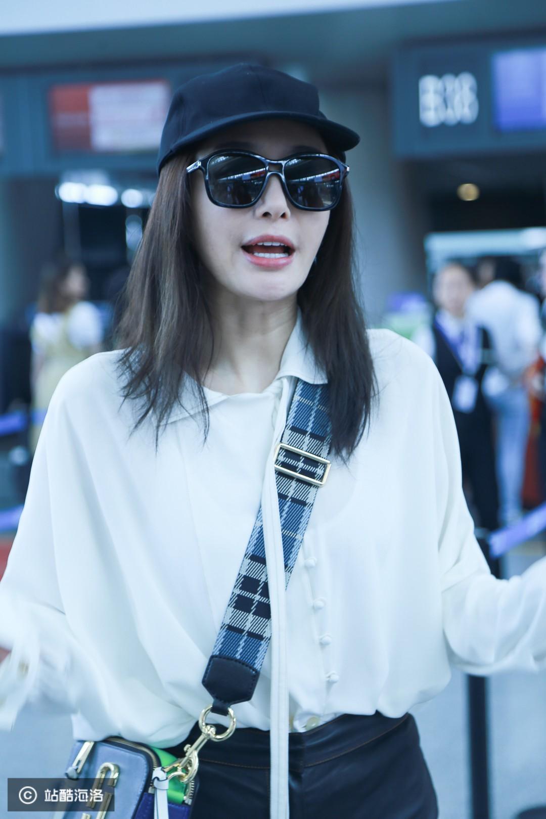 Xuất hiện ở sân bay, Hoàng hậu Tần Lam bị soi nhan sắc đời thường không lung linh như phim - Ảnh 4.