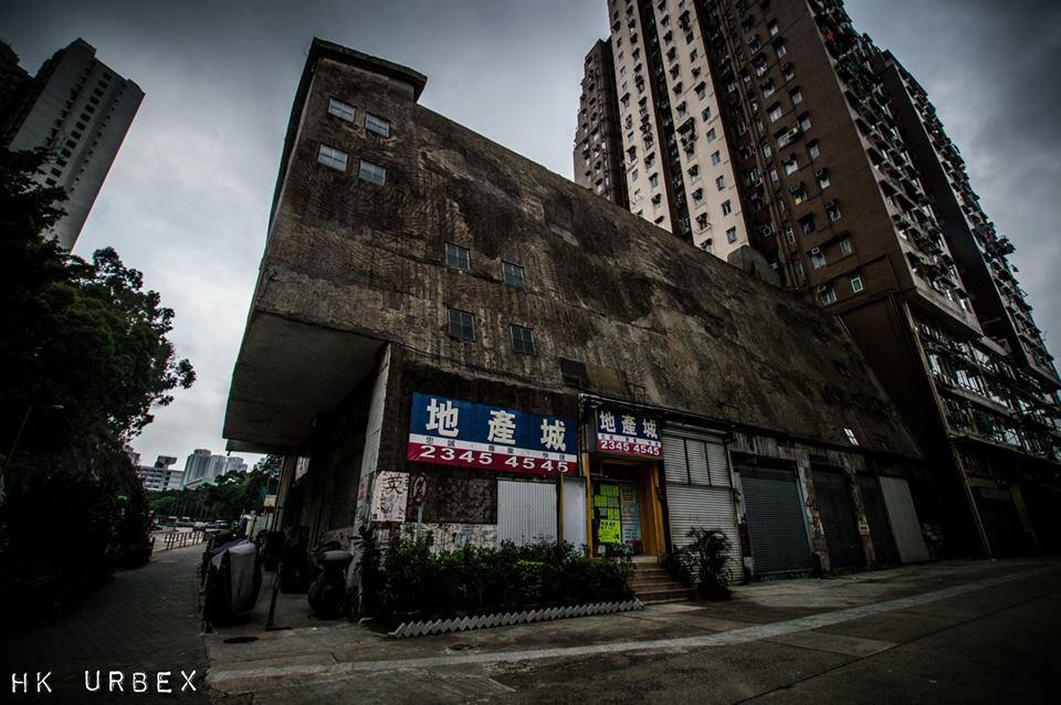 Rạp phim bị bỏ hoang ở Hong Kong: Điểm vui chơi nổi tiếng giờ chỉ còn lại đống đổ nát âm u vì những lời đồn thổi chết chóc - Ảnh 6.