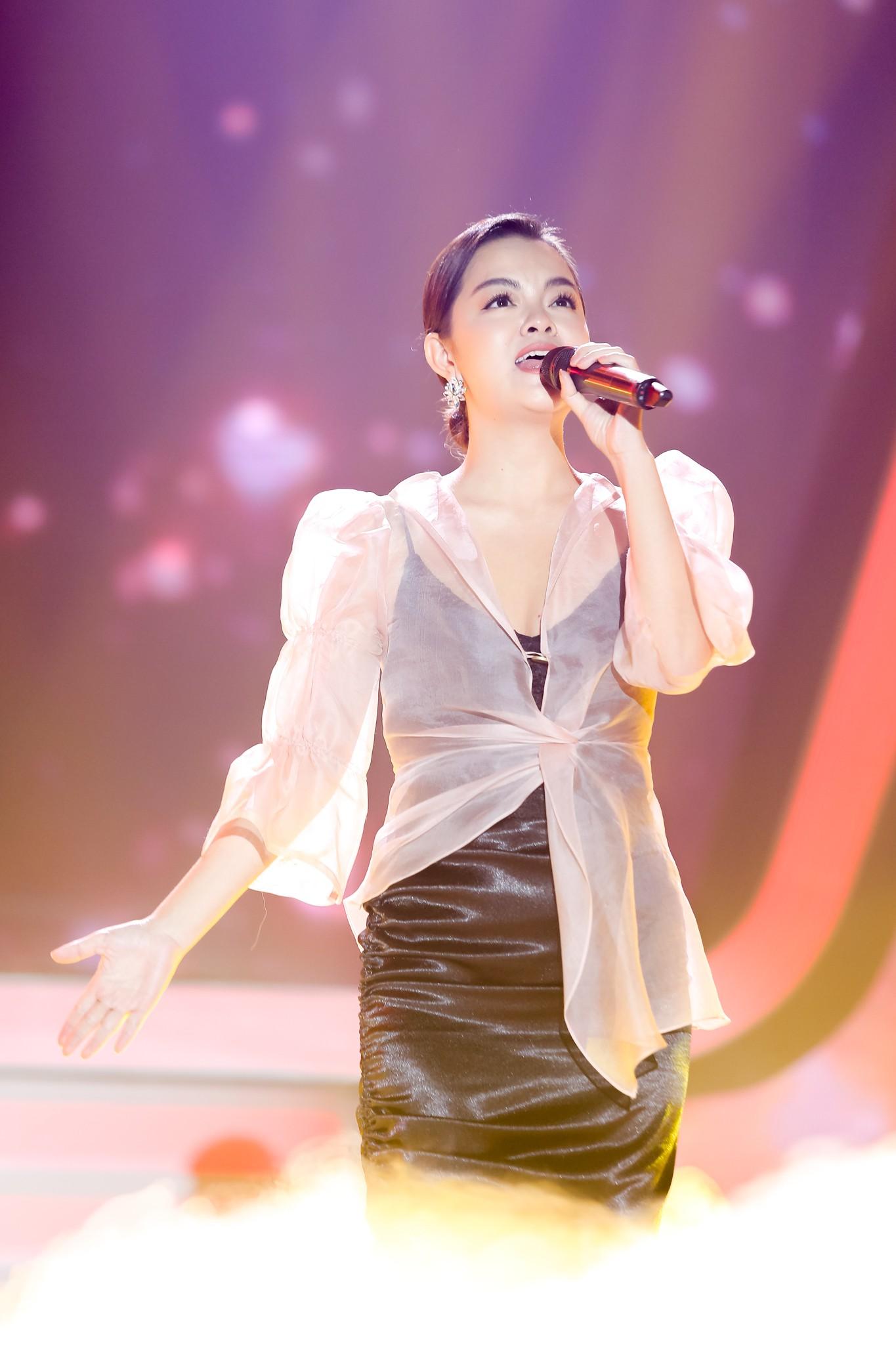 Lịm tim với màn hát live cực hay của Quang Linh - Phạm Quỳnh Anh - Ảnh 1.