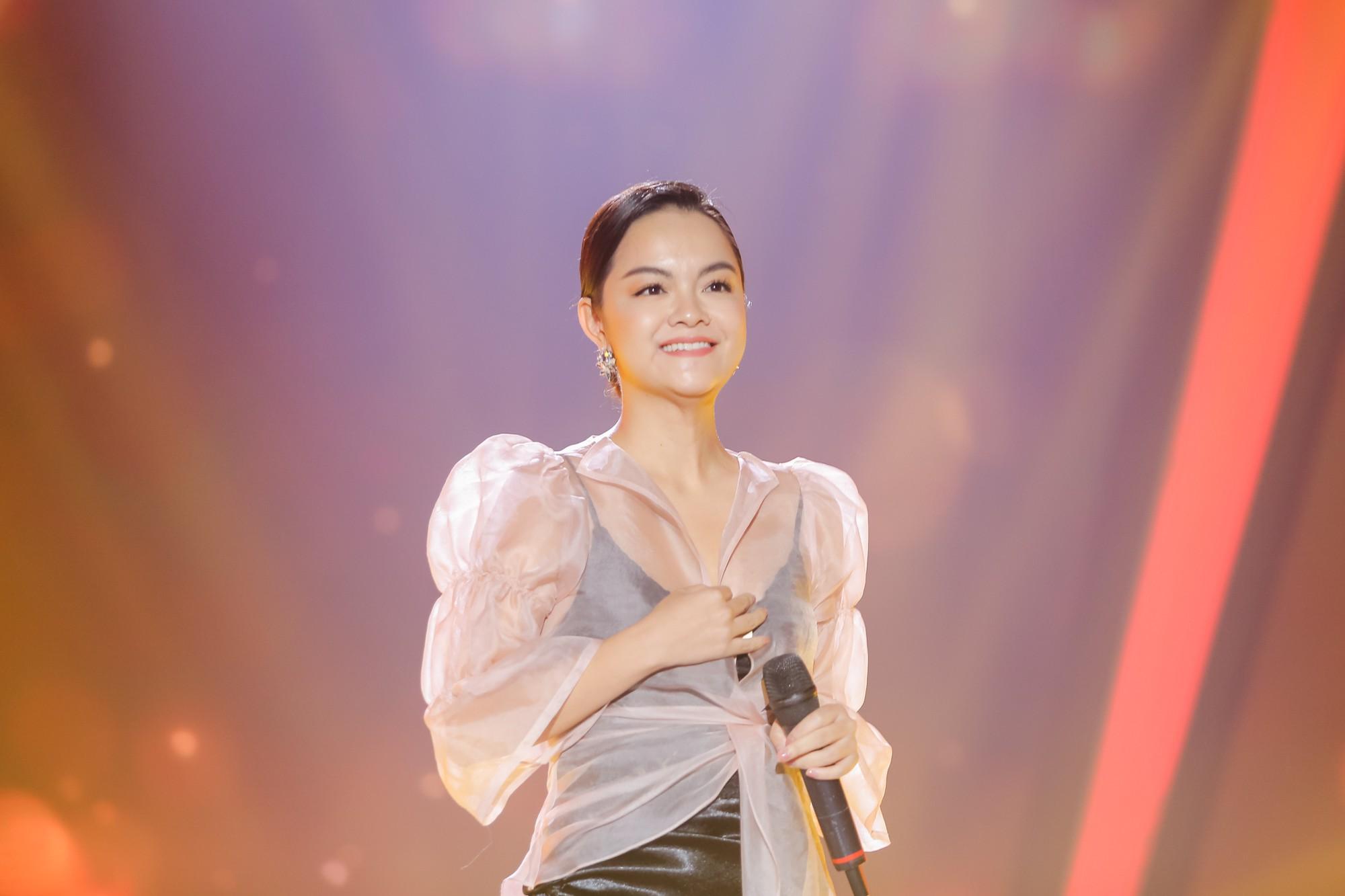 Lịm tim với màn hát live cực hay của Quang Linh - Phạm Quỳnh Anh - Ảnh 2.