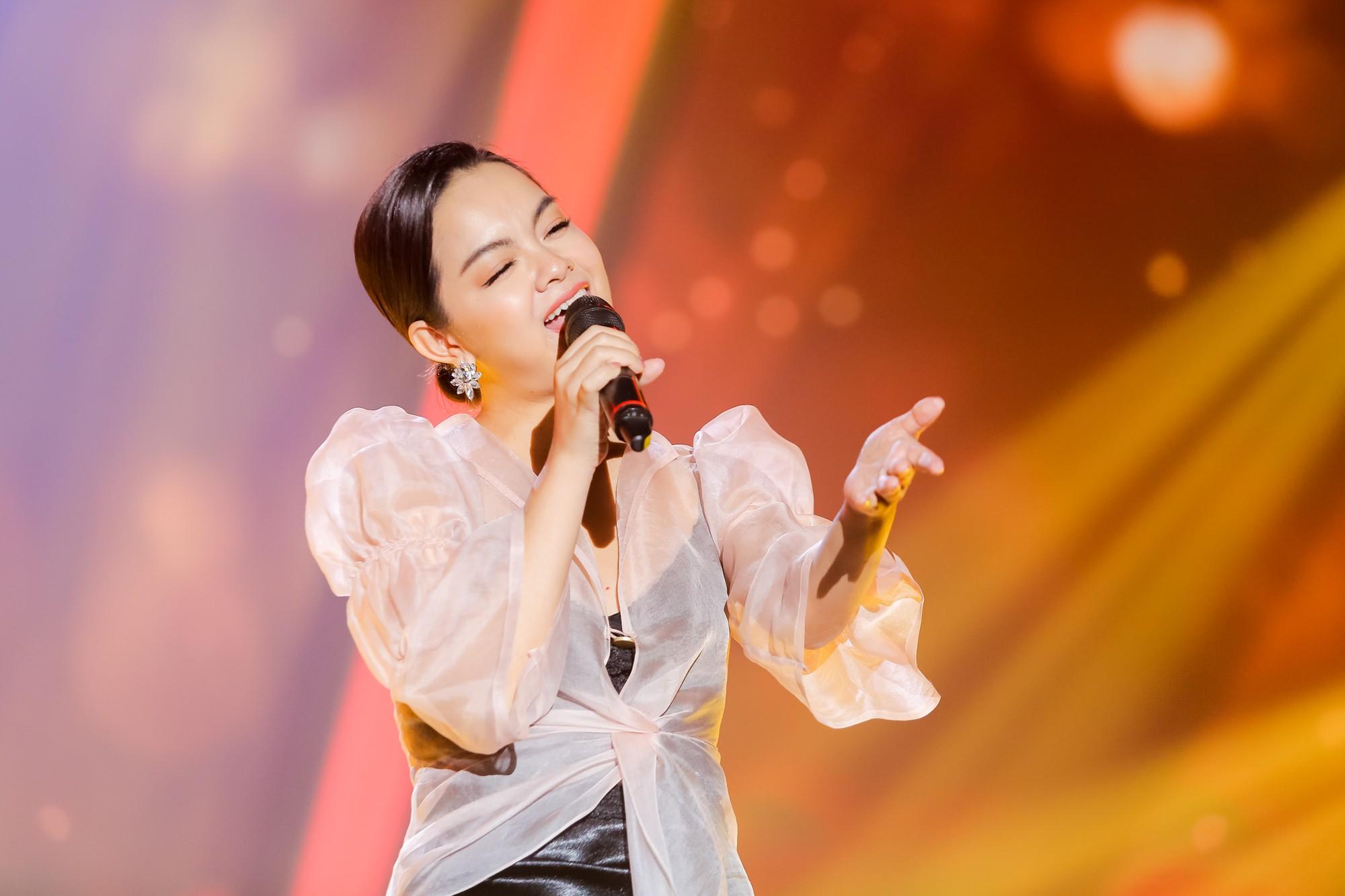 Lịm tim với màn hát live cực hay của Quang Linh - Phạm Quỳnh Anh - Ảnh 3.