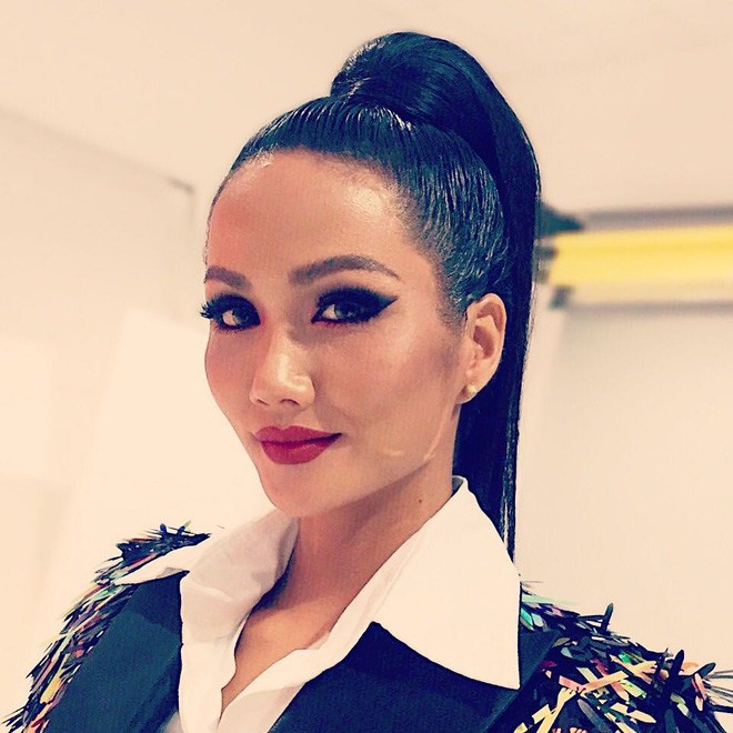 Không ngờ Hoa hậu HHen Niê có ngày để tóc dài thướt tha lại lộng lẫy, xinh đẹp đến vậy - Ảnh 6.