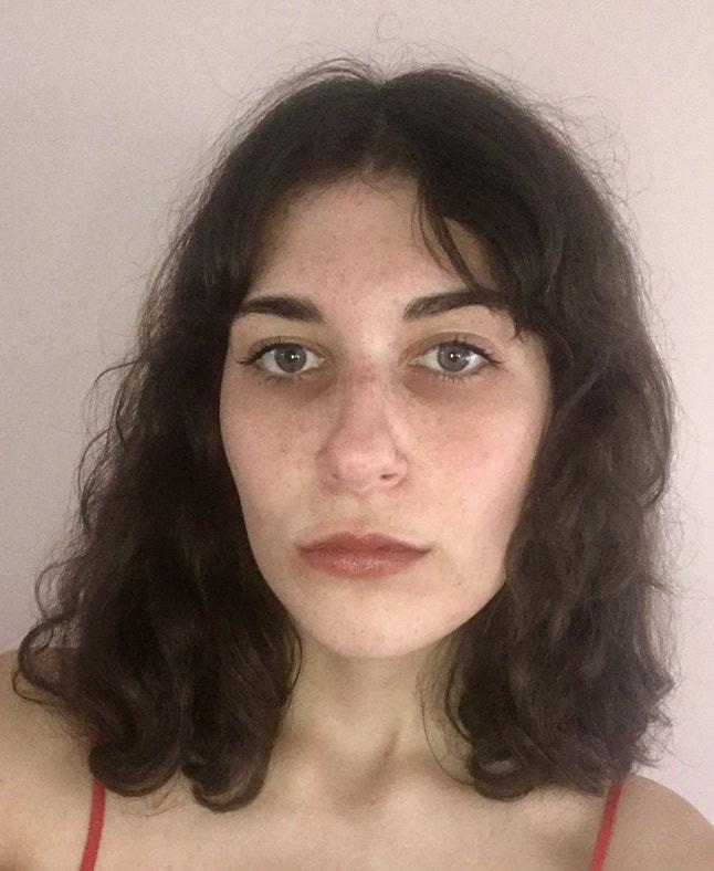 Nghe nói chải đầu 100 lần/ngày sẽ có mái tóc siêu bóng mượt, cô nàng này đã thử và kết quả vô cùng bất ngờ - Ảnh 2.