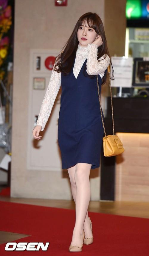 Giảm cân thành công nhưng Goo Hye Sun vẫn kém đẹp chỉ vì thói quen này khi diện váy ngắn - Ảnh 7.