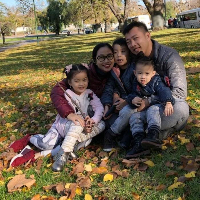 Ngắm căn biệt thự với sân vườn xanh mướt và ngập tràn tiếng cười của vợ chồng MC Ốc Thanh Vân - Ảnh 1.