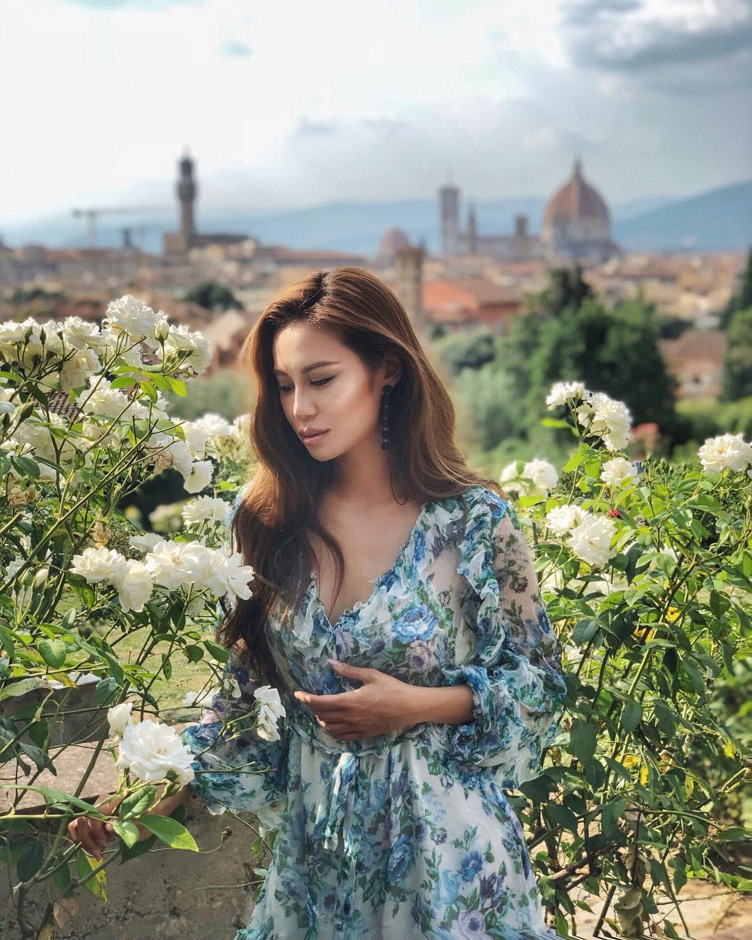 Nàng ái nữ tỷ phú Hong Kong, sinh ra đã ngậm thìa vàng, lấy chồng sinh con vẫn đẹp không tì vết 16