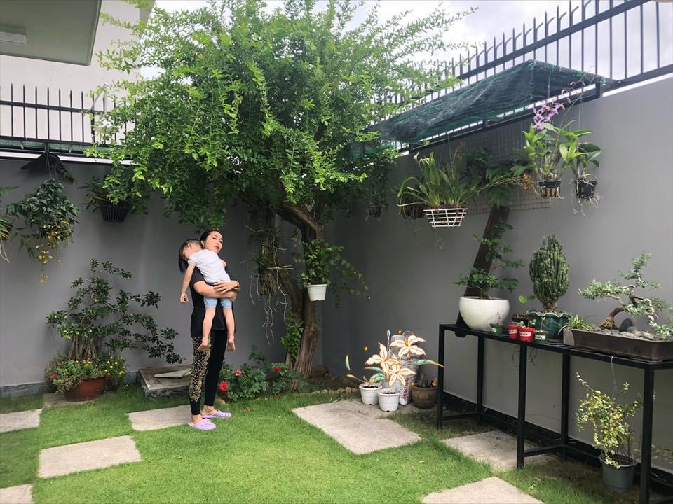 Ngắm căn biệt thự với sân vườn xanh mướt và ngập tràn tiếng cười của vợ chồng MC Ốc Thanh Vân - Ảnh 6.
