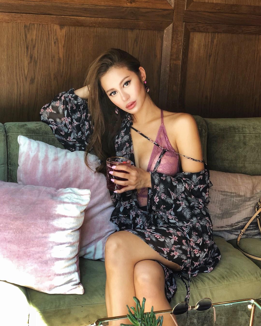 Nàng ái nữ tỷ phú Hong Kong, sinh ra đã ngậm thìa vàng, lấy chồng sinh con vẫn đẹp không tì vết 19