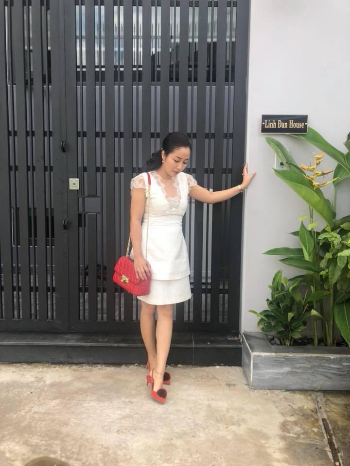 Ngắm căn biệt thự với sân vườn xanh mướt và ngập tràn tiếng cười của vợ chồng MC Ốc Thanh Vân - Ảnh 2.