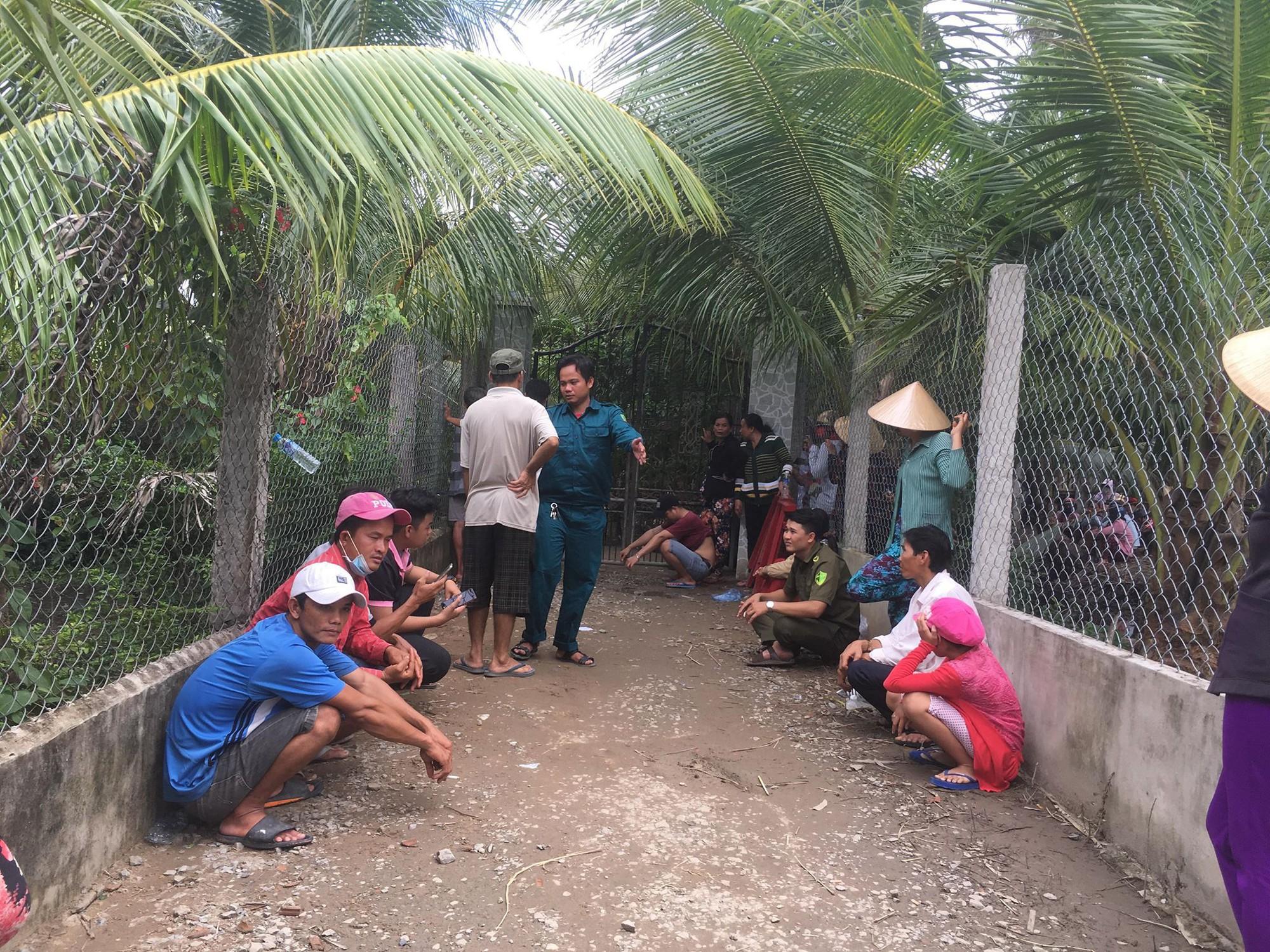 Vụ thảm án 3 người trong gia đình bị sát hại ở Tiền Giang: Các nạn nhân nghi bị siết cổ đến chết vì mâu thuẫn trong gia đình - Ảnh 1.