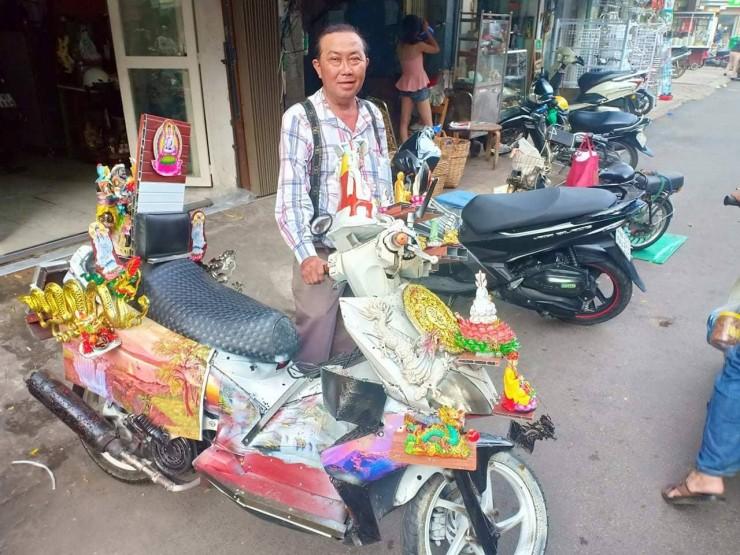 Dân mạng chết cười với chiếc xe máy cõi thiên thai -  sản phẩm trừ tà giúp chủ nhân bình an thượng lộ giữa tháng cô hồn  - Ảnh 6.