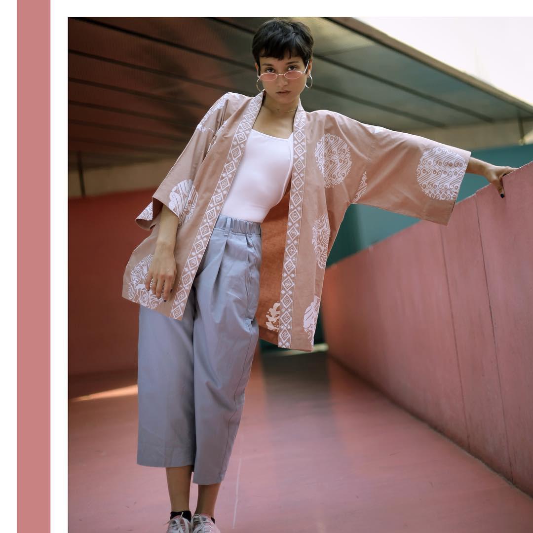 19 cách phối đồ vừa đẹp vừa sang khiến hội chị em nhao nhao đòi sắm ngay một chiếc kimono cardigan - Ảnh 15.