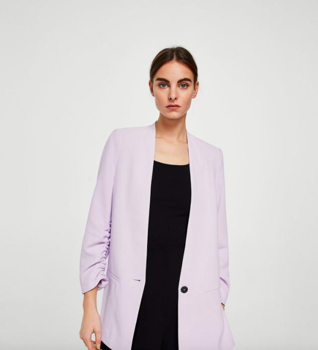 15 mẫu áo blazer của Zara, H&M... thanh lịch mà cực kỳ cá tính dành cho nàng công sở khi thời tiết đang chuyển từ hè sang thu - Ảnh 9.