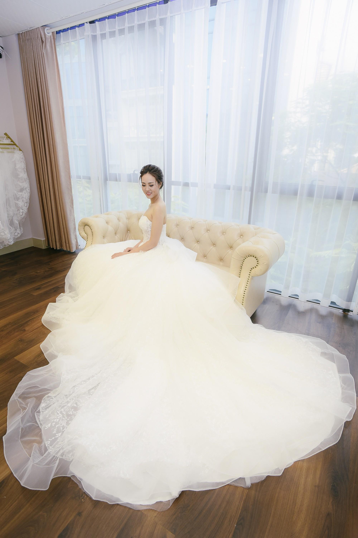 Bạn gái danh hài Công Lý bất ngờ thử váy cưới, làm cô dâu xinh đẹp 3