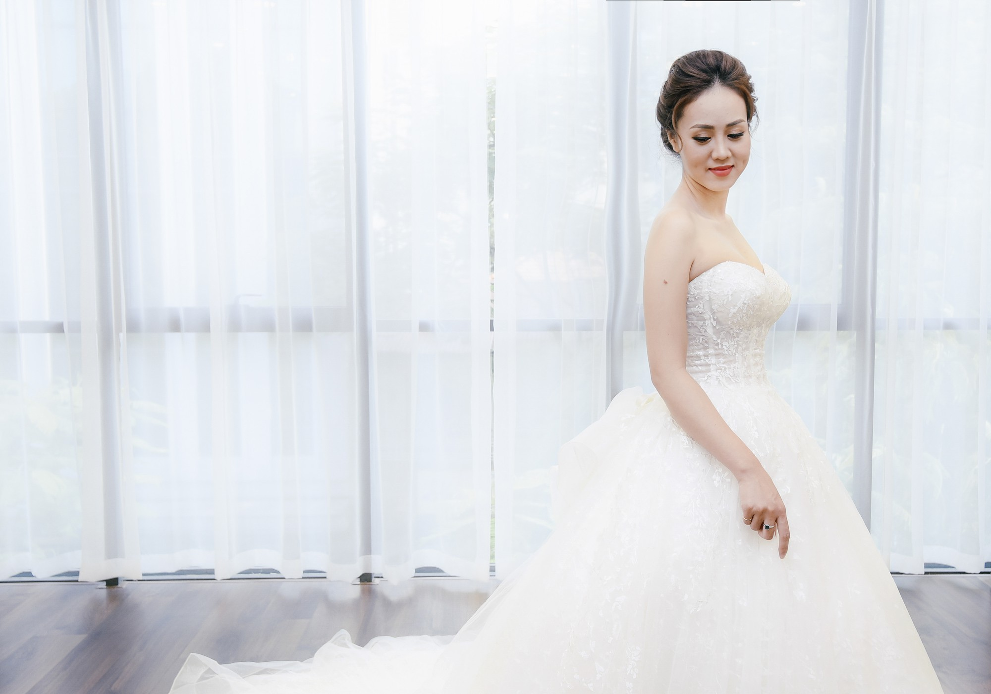Bạn gái danh hài Công Lý bất ngờ thử váy cưới, làm cô dâu xinh đẹp 7