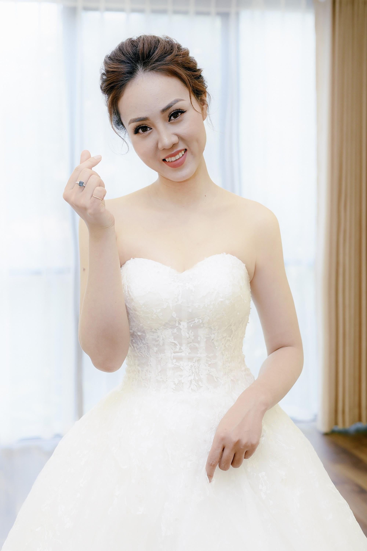 Bạn gái danh hài Công Lý bất ngờ thử váy cưới, làm cô dâu xinh đẹp 6