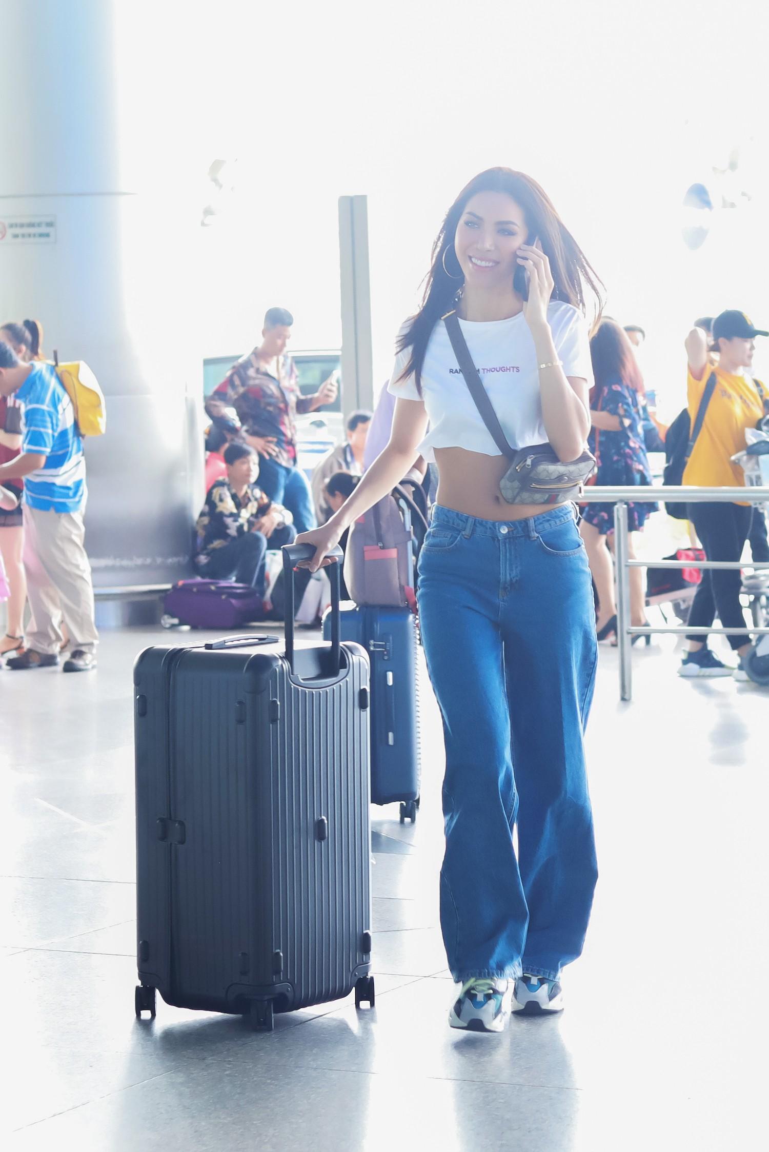 Minh Tú chính thức sang Thái Lan tham dự họp báo Asias Next top Model  - Ảnh 10.
