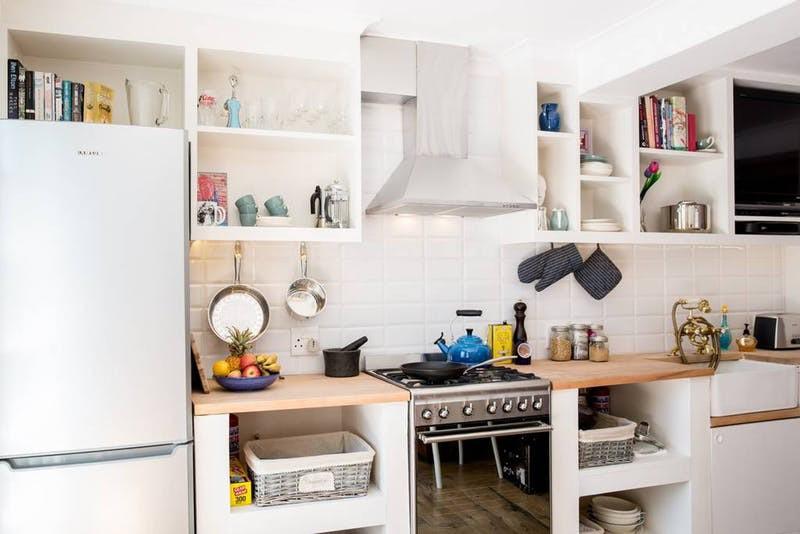 10 ý tưởng lưu trữ tuyệt vời giúp không gian nhà bếp nhỏ đến mấy cũng gọn gàng - Ảnh 9.
