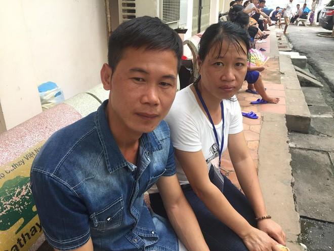 Con trai nghèo bất lực nhìn cả bố và mẹ đau đớn vì ung thư: Người nằm nhà, người ở viện chờ chết - Ảnh 2.