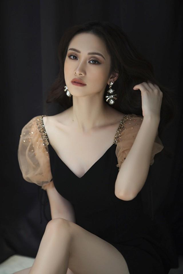 Diện cùng 1 kiểu váy yểu điệu, vòng 1 cũng đã đều qua dao kéo, thế mà trông Jun Vũ vẫn e ấp hơn Kỳ Duyên nhiều phần - Ảnh 3.