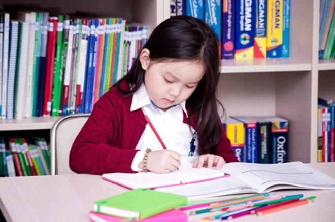 Với 4 câu nói đơn giản mà hiệu quả này, mẹ sẽ chẳng phải lo con không hòa nhập trong những ngày học đầu tiên - Ảnh 2.