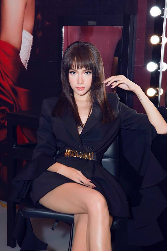 Đăng quang bấy lâu, mãi mới thấy Hương Giang chịu đổi kiểu tóc - Ảnh 3.