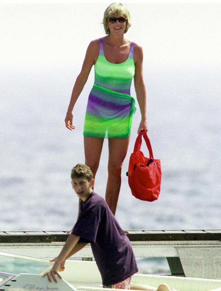 Bình thường kín đáo thanh lịch, không ngờ khi khoe dáng với đồ bơi Công nương Diana lại gợi cảm thế này - Ảnh 14.