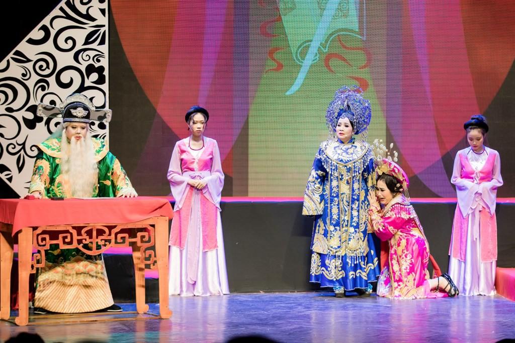 Hoài Lâm bất ngờ về nước, hội ngộ Gia Bảo hát tri ân cố NSƯT Thanh Nga - Ảnh 8.