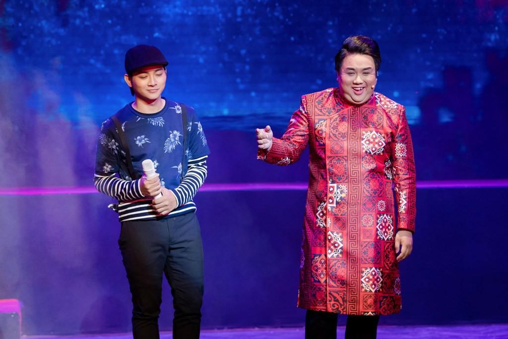 Hoài Lâm bất ngờ về nước, hội ngộ Gia Bảo hát tri ân cố NSƯT Thanh Nga - Ảnh 3.