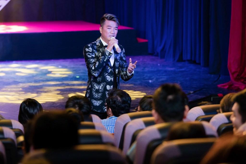 Hoài Lâm bất ngờ về nước, hội ngộ Gia Bảo hát tri ân cố NSƯT Thanh Nga - Ảnh 5.