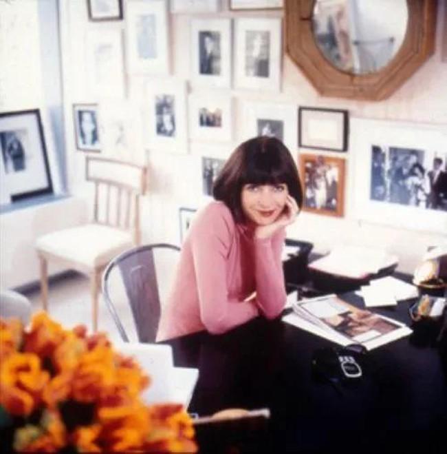 Anna Wintour bị đồn là chẳng còn giữ nổi ghế tại Vogue và bên nhà xuất bản đã chính thức lên tiếng - Ảnh 2.