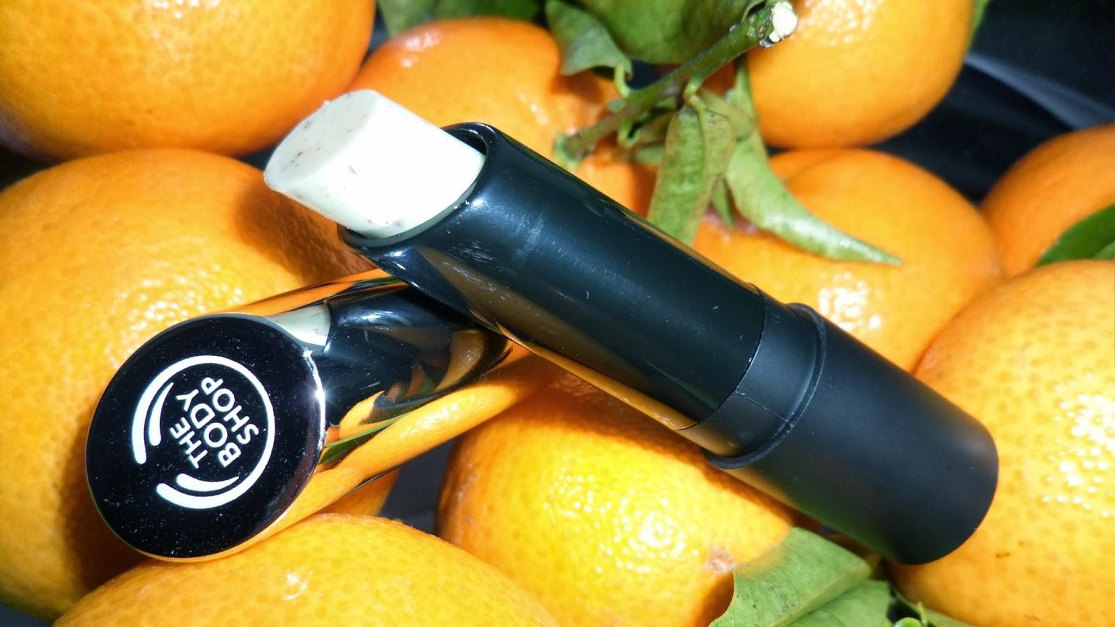 Tẩy da chết cho môi cũng rất quan trọng và đây là 5 sản phẩm giúp đem lại bờ môi sáng hồng, căng mọng cho các nàng - Ảnh 4.