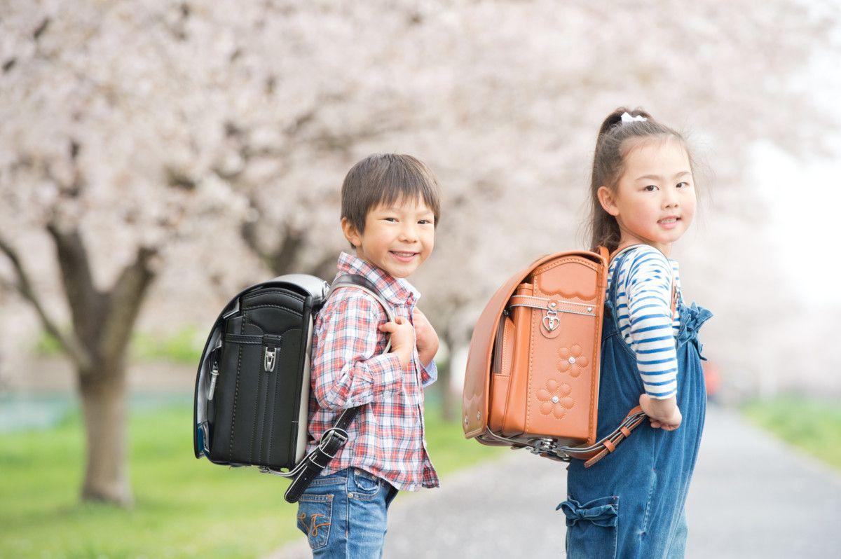 Gạt bỏ nỗi lo khi con lần đầu đi học: Hãy để con được bước ra bao la thế giới ngoài kia - Ảnh 1.