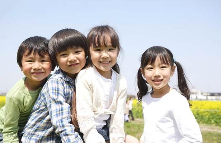 Gạt bỏ nỗi lo khi con lần đầu đi học: Hãy để con được bước ra bao la thế giới ngoài kia - Ảnh 2.