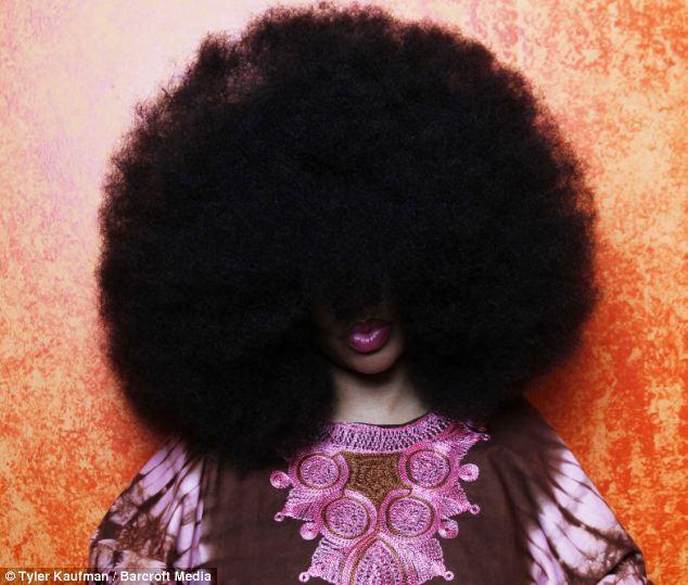 Chùm ảnh: Những mái tóc dày bồng bềnh được xếp vào hàng hiếm có khó tìm trên thế giới khiến bạn phải thốt lên không thể tin nổi! - Ảnh 26.