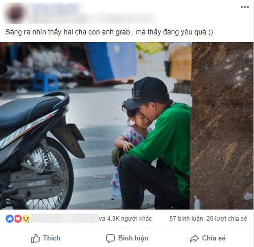 Chỉ với một khoảnh khắc giản dị và khiêm nhường, bức ảnh ông bố xe ôm và con gái đã khiến cộng đồng MXH tan chảy  - Ảnh 1.